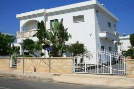 Luxury 4 bedroom villa for sale in SAINT George